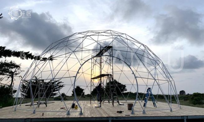 outdoors Geodesic Dome Glamping
