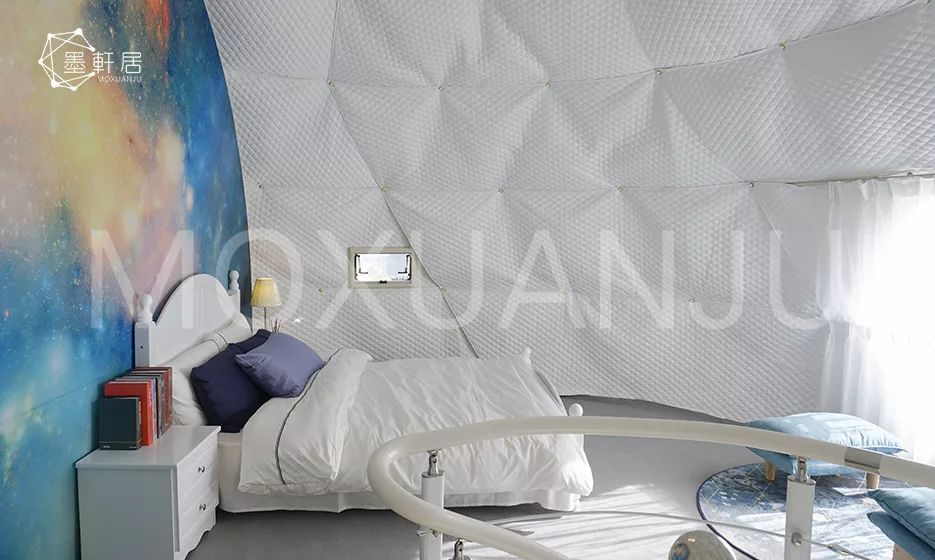 Hot balloon glamping tent interior