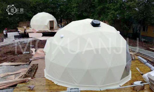 outdoors Glamping Dome