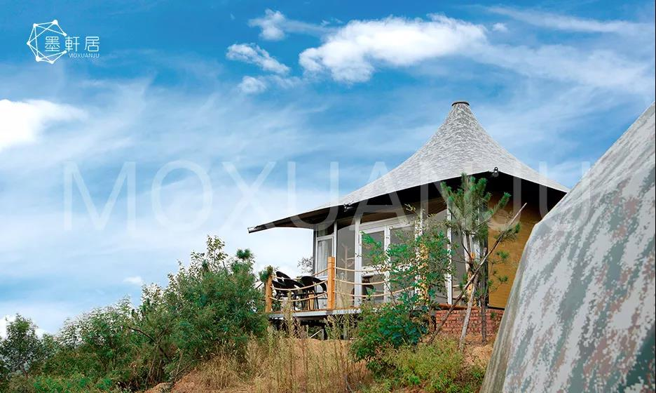 accommodation experience of glamping tent in winter